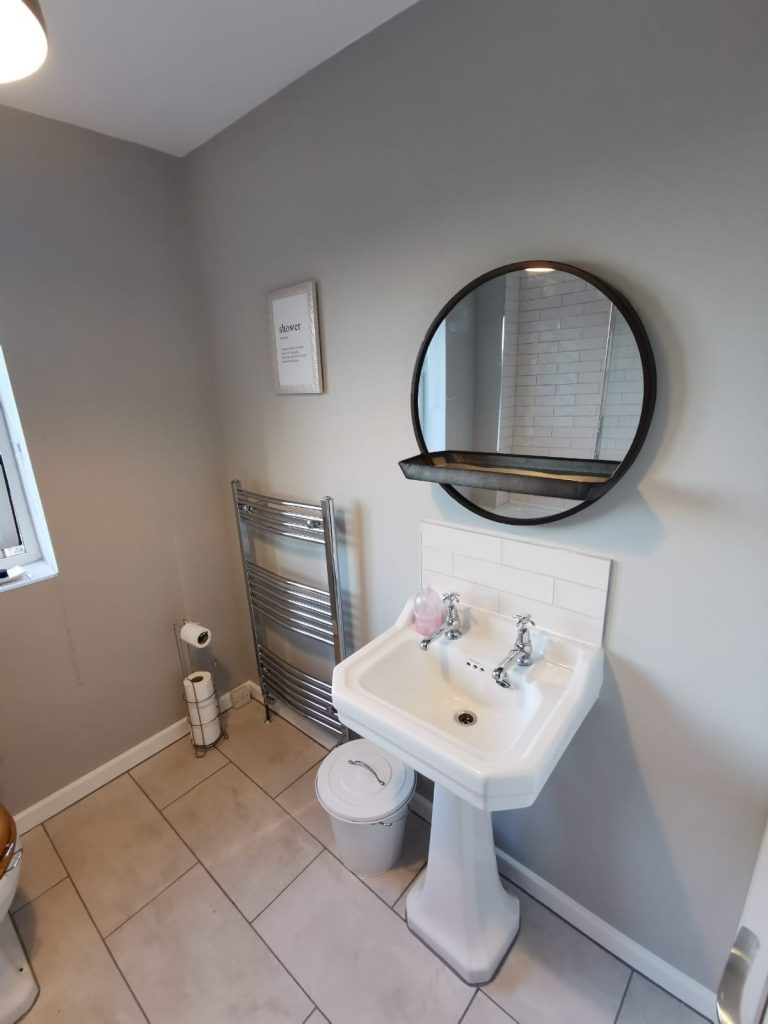 bathroom renovation leeds 4